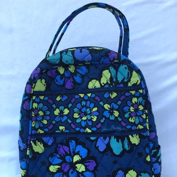 b44ef2cedee Vera Bradley indigo pop lunch bag. M 5b12f66baaa5b85014a8d224